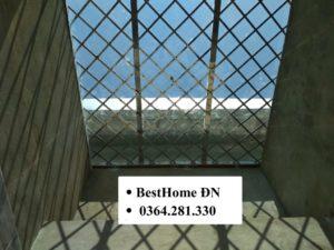 khung bảo vệ giếng trời