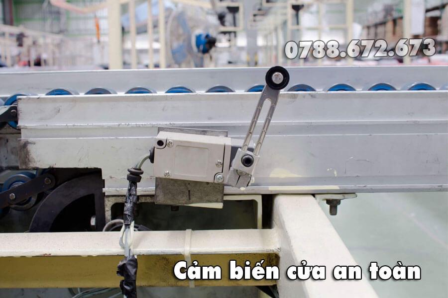cam-bien-cua-an-toan-thang-may